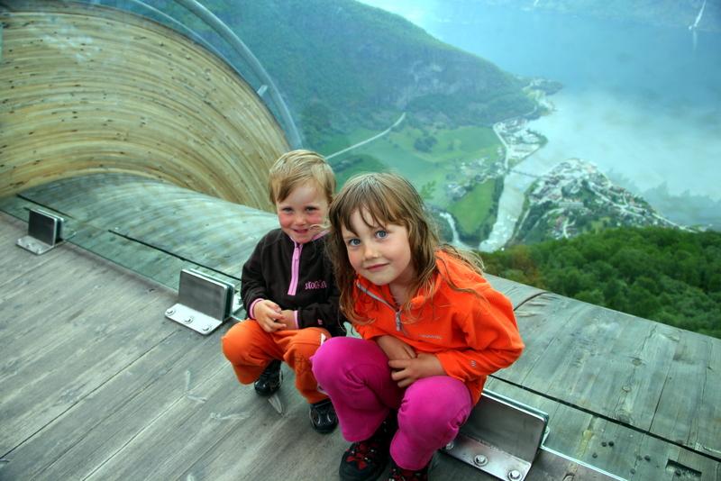 Moje volba: Vyhlídka Stegastein - 600 m n.m. nad fjordem Aurland