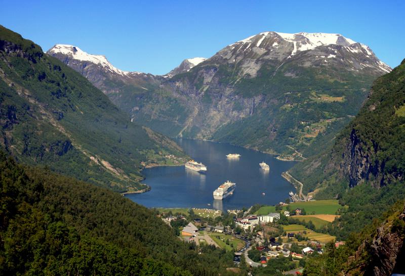 Moje volba: Pohled na Geirangerfjord z vyhlídky Flydalsjuvet