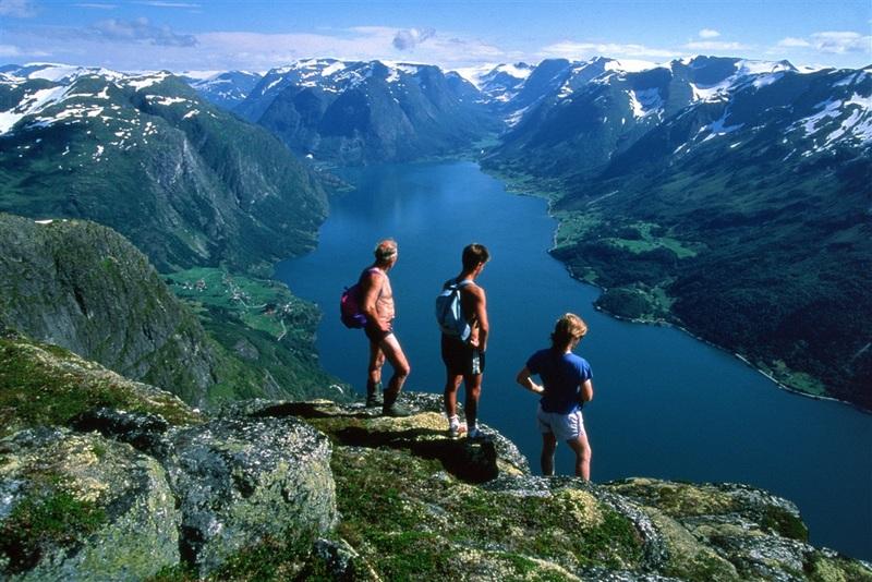 Moje volba: Výhled na jezero Strynsvatnet