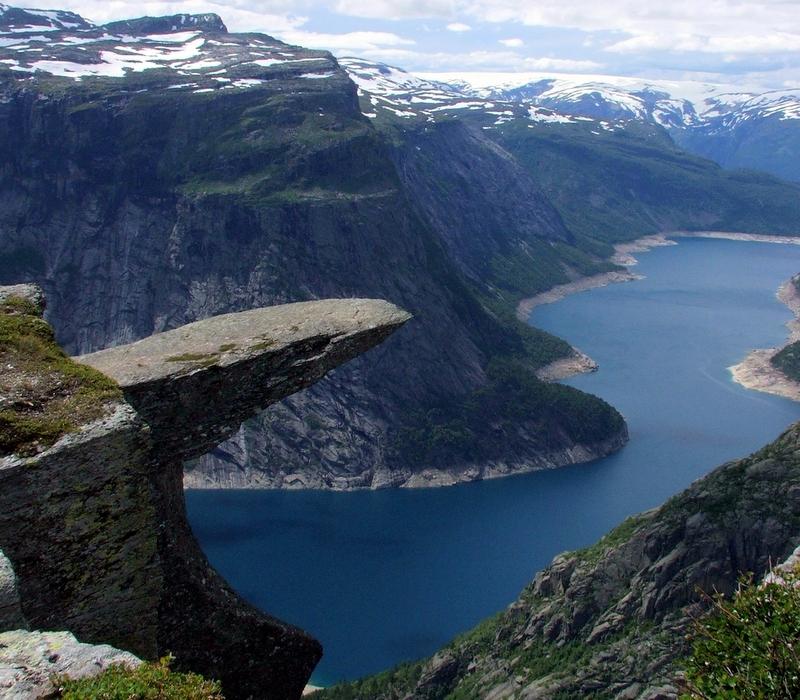 Moje volba: Skalní útvar Trolltunga nad jezerem Ringedasvatnet